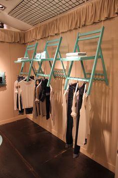 68 model design decor for boutique 32 Boutique Interior, Boutique Decor, Boutique Ideas, Visual Merchandising Displays, Retail Store Design, Store Displays, Shop Interiors, Shabby Chic Style, Shelves