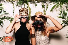 Safari photo booth set up | The Photo Booth Guys http://photobooth.co/awesome-diy-backdrops-for-weddings/