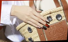 黒を効かせてモダンにカゴバッグに合わせたいカラーMIXネイル Beauty Nails, Shoulder Bag, Bags, Fashion News, Nail, Handbags, Shoulder Bags, Bag, Totes