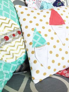 Christmas Pillow Decorations Tutorial with Elf and Christmas Ornament FMA
