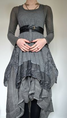 souls cross ages like clouds cross skies // belt In Particular Pagan Fashion, Witch Fashion, Looks Style, Style Me, Mode Mori, Look Dark, Witch Outfit, Mori Girl Fashion, Hippy Chic