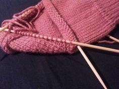 Como tejer calcetines, trabajando los menguados para el lado izquierdo del empeine