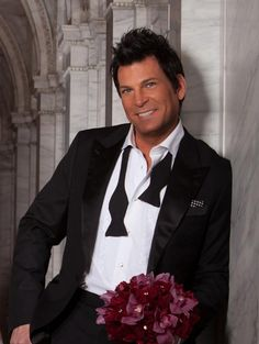 David Tutera! the best wedding planner in history. I would love to have him as my wedding planner