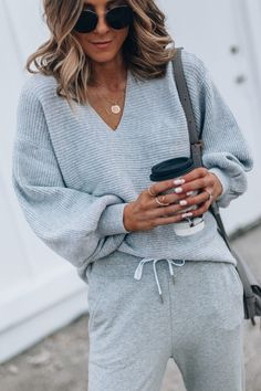 Cozy Outfits to Wear After You've Finished Thanksgiving Dinner Dinner Outfits, Casual Dress Outfits, Summer Dress Outfits, Night Outfits, Cozy Outfits, Woman Outfits, Comfortable Outfits, Fashion Outfits, Cute Lounge Outfits