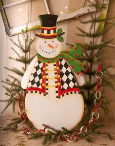 Black and white themed Snowman for the yard