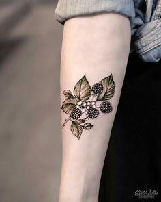 Sweet Summer Colorful Flower Tattoo Designs - New Site Botanisches Tattoo, Tattoo Line, Tattoo Style, Tattoo Trend, Samoan Tattoo, Polynesian Tattoos, Mini Tattoos, Body Art Tattoos, Tatoos