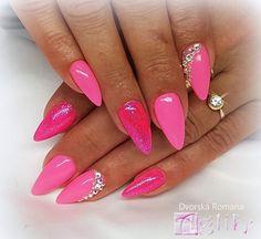 Lipstick, Nails, Beauty, Finger Nails, Beleza, Ongles, Lipsticks, Nail, Cosmetology