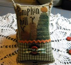 Becky Bee's Stitching Hive    (....cr...love this one)