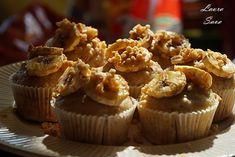 Briose de post cu banane   Retete culinare cu Laura Sava - Cele mai bune retete pentru intreaga familie Mai, Mini Cupcakes, Muffins, Breakfast, Desserts, Food, Banana, Morning Coffee, Tailgate Desserts