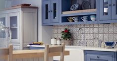 Blue Bastide kitchen - Fired Earth - www.firedearth.dk