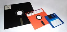 8-inch, 5,25-inch, and 3,5-inch floppy disks. (8-bit games run off an 8-inch floppy disc on a Windows 93 computer which runs MS DOS)