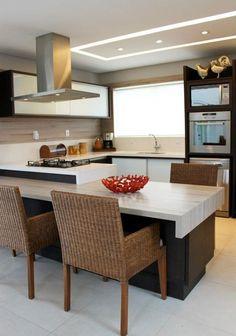 Jeito de Casa: 10 Cozinhas atuais em tons de madeira!