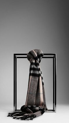 Burberry Giant Check Cashmere Scarf in Charcoal