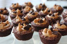 Yummy Dessert: Mini Peanut Butter Brownies