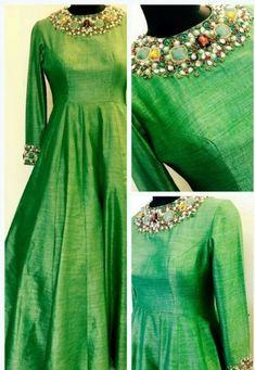 Pattu Saree Blouse Designs, Kurti Neck Designs, Kurti Designs Party Wear, Red Lehenga, Anarkali Dress, Lehenga Choli, Bridal Lehenga, Mode Bollywood, Heavy Dresses