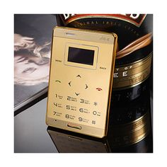 ¡¡¡¡ Precioso Móvil de diseño miniatura !!!! Igual que una tarjeta de credito Muy facil de usar y de llevar