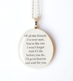 Collier fait main damis meilleur. Ce collier dami meilleur est composé dune branche darbre tombé tempête endommagé, ma famille et moi aller en