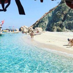 Adrasan'ın minik adası olan Suluada bizce Türkiye'nin en güzel ve en minik adası. Yalnız yüzerken dikkat edin zira açıldıkça akıntı başlıyor. Adrasan'da Nerede Kalalım? Sinemis Hotel, Papirus Hotel ve Club Sun Village. Detaylar sitemizde; www.kucukoteller.com.tr/adrasan-otelleri.html?utm_content=buffer10508&utm_medium=social&utm_source=pinterest.com&utm_campaign=buffer