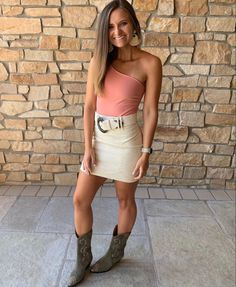 Country Concerts, Girl Outfits, Photo And Video, Girls, Clothing, Instagram, Baby Clothes Girl, Little Girls, Outfits