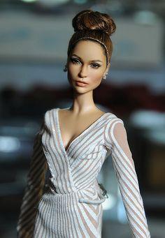 JLO up for auction Jennifer Lopez, Celebrity Barbie Dolls, Custom Barbie, Diva Dolls, Beautiful Barbie Dolls, Barbie Fashionista, Barbie Collection, Barbie Friends, Barbie World