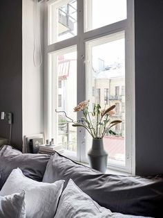 There is a lot to say about this beautifully decorated Swedish home, but the wall colors really stand out to me the most. The green-grey walls in the living room look very fresh and give the otherwise modest decoration a … Continue reading → Decor, Bedroom Decor, Headboard Inspiration, Wall Colors, Home, Grey Walls, Bedroom Design, Home Office Decor, Home Decor