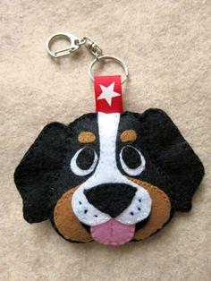 *FELT ART ~ DOG or CAT customized keyring, ornament or magnet. Llavero con la cara de tu mascota
