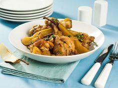 Готовьте как шеф: куриные ножки с грушами под кисло-сладким соусом Shrimp, Curry, Chicken, Meat, Ethnic Recipes, Food, Curries, Eten, Meals
