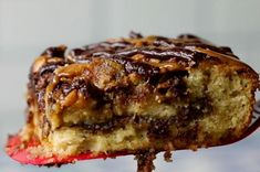 25 Worthwhile Dessert Recipes That'll Make People Say, ''Where Did You Get This Recipe?'' Chocolate Chip Bars, Chocolate Mug Cakes, Pumpkin Chocolate Chips, Chocolate Flavors, Banana Cheesecake, Cheesecake Bites, Baking Recipes, Dessert Recipes, Baking Tips