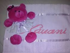 Towel Cakes, Crochet Bebe, Patches, Diy Crafts, Make It Yourself, Videos, Baby, Facebook, Link
