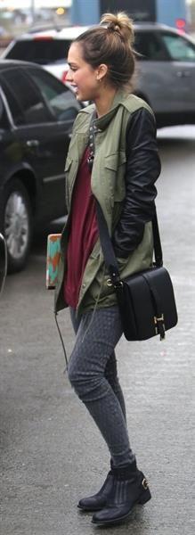 Кожаный пиджак женский рукава клеш