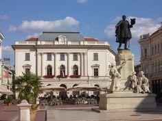Klauzál tér Mansions, House Styles, Home Decor, Hungary, Decoration Home, Manor Houses, Room Decor, Villas, Mansion