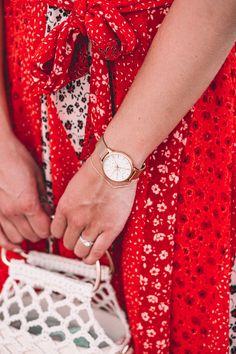 """Καυτό καλοκαίρι, αλλά με cool style!  Ανάδειξε το καλοκαιρινό σου βραδινό look με ένα μοναδικό κομμάτι από συλλογή Gant Summer 2020 Τώρα και με """"5%OFF"""" στο checkout 🛒 Watches, Accessories, Shopping, Wristwatches, Clocks, Jewelry Accessories"""