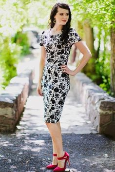 """Sleek & Sophisticated! """"Amelia"""" Modest Dress in black & white floral is simply stunning for SPRING! Love that you can add any accent color you'd like!"""