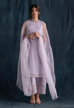 We seek to create luxurious designs that leave unforgettable impressions on the world. Also, worldwide shipping is available. Pakistani Dresses Casual, Indian Gowns Dresses, Pakistani Dress Design, Simple Anarkali Suits, Pakistani Kurta Designs, Pakistani Dresses Online, Designer Anarkali, Stylish Dress Designs, Stylish Dresses