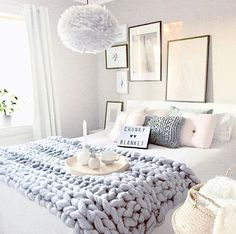 Love the blanket Credit: @mz.interior . . . . #homestyling#nordicdesign#nordicinspiration#nordicliving#nordicinterior#scandinaviandesign#scandinavianstyle#scandinavianhome#interior4all#interior123#interiorforyou#interior4you#interiorandhome#interiorinspo#interieur#interior_design#interiorstyling#interiorinspiration#instahome#instainterior#whitehome#whiteinterior#インテリア#интерьер#roomforinspo#bedroom#bedroominspo