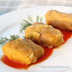 Zelevi Sarmi - cabbage leaves stuffed with minced meat & rice_Bulgarian-Recipe_ Veal Recipes, Cooking Recipes, Bulgarian Recipes, Bulgarian Food, Veggie Lasagna, Cabbage Leaves, Southern Recipes, International Recipes, Good Food