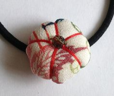 Ume plum blossom hair tie made with kimono fabric by makikomo