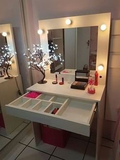 Vanity Makeup Rooms, Makeup Room Decor, Home Design Decor, Home Decor, Bed For Girls Room, Girl Room, Purple Kitchen Cabinets, Tocador Vanity, Simple Dressing Table