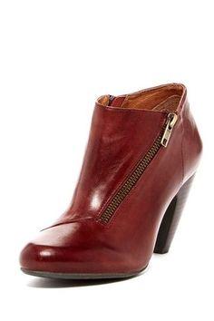 Hautelook wine colored booties with side zipper