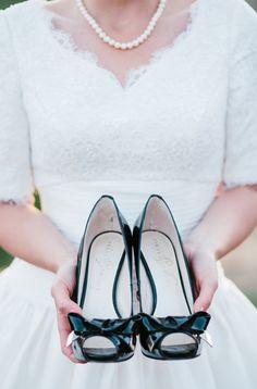 black wedding shoes, so so cute!