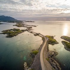 8,769 отметок «Нравится», 92 комментариев — Lonely Planet (@lonelyplanet) в Instagram: «'I shot this image with my drone last summer at The Atlantic Ocean road about 1.5 hours drive from…»