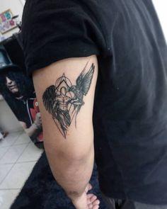 Daddy Tattoos, God Tattoos, Tattoos For Guys, Skull Tattoos, Raven Tattoo, Cat Tattoo, Tattoo Tribal, Tricep Tattoos, Engel Tattoo