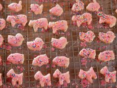 Animal Crackers ~ recipe from Ree Drummond, Pioneer Woman ~ http://www.foodnetwork.com/recipes/ree-drummond/animal-crackers.html