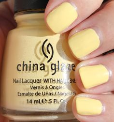 Blame it on Park & Cube, but I've been wanting pastel yellow nail polish.