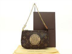 Louis Vuitton Auth Monogram Trunks and Bags Mini Pochette Accessoires POUCH Bag #LouisVuitton #CosmeticBags