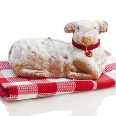Tradiční velikonoční beránek, tentokrát z pohankové mouky, díky čemuž je tento dezert přirozeně bezlepkový Lamb Cake, Easter Lamb, Czech Recipes, Smoothie, Baking, Sat 1, Czech Food, Cakes, Design
