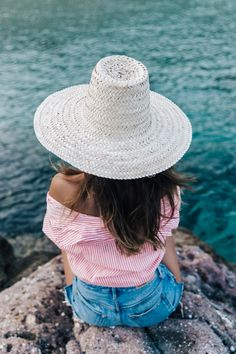 Street Fashion, Casual Style, Latest Fashion Trends - Street Style and Casual Fashion Trends Style Outfits, Summer Outfits, Greece Outfit, Collage Vintage, Warm Weather Outfits, Next Clothes, Summer Essentials, Summer Wardrobe, Vestidos