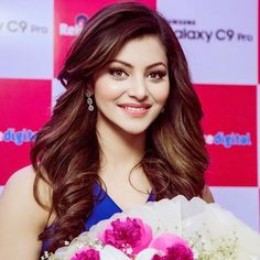 Urvashi Rautela looking beautiful in a blue dress with pearl necklace and earrings at Samsung Galaxy phone launch. Beautiful Bollywood Actress, Most Beautiful Indian Actress, Beautiful Actresses, Bollywood Heroine, Hair Color For Women, Cool Hair Color, Indian Film Actress, Indian Actresses, Katrina Kaif Photo