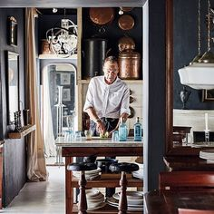 The South African home of antiquarian Cobus van Niekerk is full of surprises. Discover the interior with treasures everywhere in our March issue: the kitchen diaries. Photo: @framethirtysix⠀ ⠀ #interiordesign #interior #home #southafrica #antiques #residencemagazine #marchissue #kitchen #inspiration