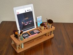 Makeup Organizer: iMakeUp Station iPhone Dock by MasterWorks888
